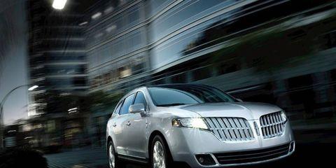 Mode of transport, Automotive design, Transport, Vehicle, Automotive lighting, Infrastructure, Headlamp, Car, Grille, Full-size car,