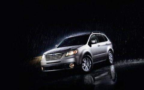 Motor vehicle, Tire, Automotive mirror, Automotive design, Automotive lighting, Vehicle, Headlamp, Land vehicle, Automotive parking light, Transport,