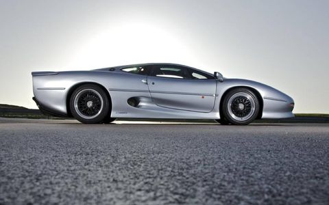 The XJ220 featured a twin-turbo V6