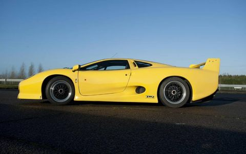 The XJ220 S was upgraded to 690 hp