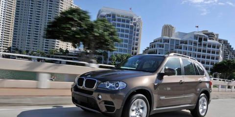 The 2013 BMW X5 xDrive35i is powered by a turbocharged 3.0-liter I6 making 300 hp and 300 lb-ft of torque.