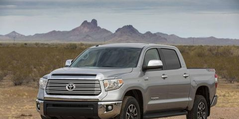 Tire, Wheel, Motor vehicle, Automotive tire, Automotive design, Vehicle, Land vehicle, Natural environment, Rim, Hood,