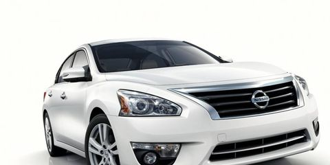 Nissan is cutting $580 off the base price of the redesigned 2013 Altima.