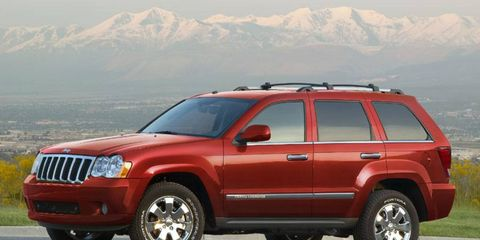 Chrysler is recalling nearly 300,000 Grand Cherokees and Commanders.