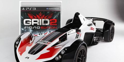 Yes, GRID 2 Mono Edition comes with a car.