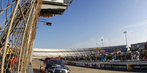 Kyle Busch narrowly edged out Matt Crafton on Friday night in Dover during the NASCAR Camping World Trucks race.