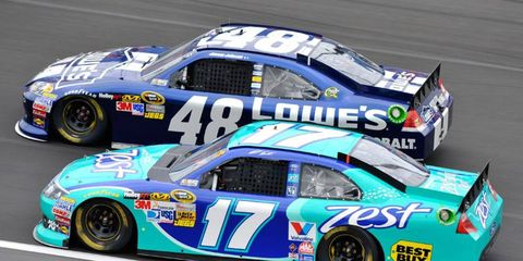 The 2013 NASCAR Sprint Cup Series championship could come down to a battle between Matt Kenseth (17) and points leader Jimmie Johnson (48).