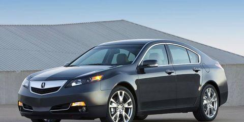Tire, Wheel, Mode of transport, Automotive design, Vehicle, Glass, Automotive mirror, Automotive tire, Infrastructure, Rim,
