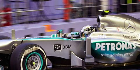 Lewis Hamilton, who had a streak of four consecutive pole positions snapped with a 12th-place starting spot in Italy, will start fifth on Sunday in Singapore.