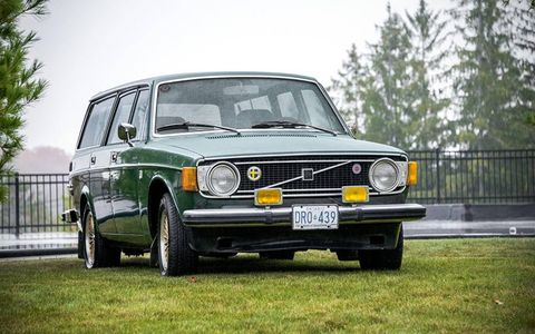 This 1973 145E looked great in this color.