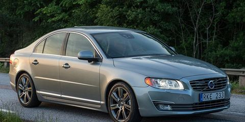 The soon-to-be-replaced S80 does well in small overlap front crash test.