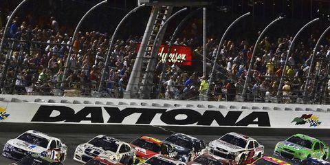 Preseason Thunder builds anticipation for the Daytona 500.