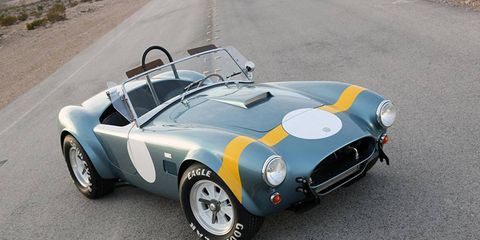 Shelby 50th Anniversary FIA 289 Cobra: We like cars with horizontal hood stripes