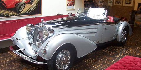 A Horch 855 similar to this one is missing from the Mezhihirya villa's collection, its legal owners and whereabouts unknown