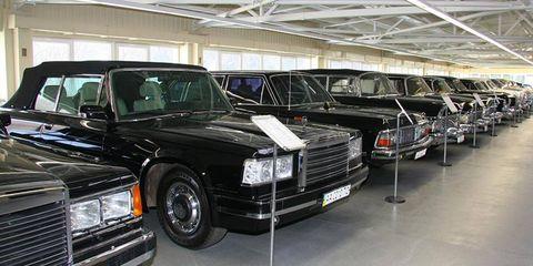 A ZiL 41047, far left, sits next to a ZiL 410441 and a GAZ 14 at the Mezhihirya garage.