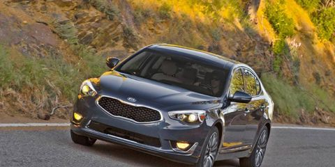 The 2014 Kia Cadenza Limited produces 293 hp with 255 lb-ft of torque.