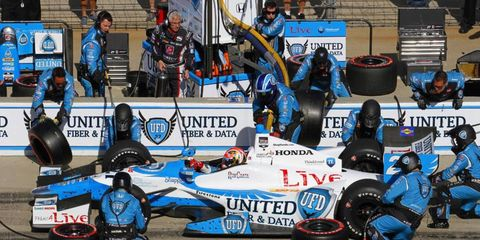 James Hinchcliffe has been cleared to drive again after suffering a concussion on Saturday.