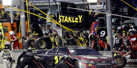 Jeff Gordon will try to win his fifth NASCAR Sprint Cup championship in what will be his final full-time NASCAR campaign.