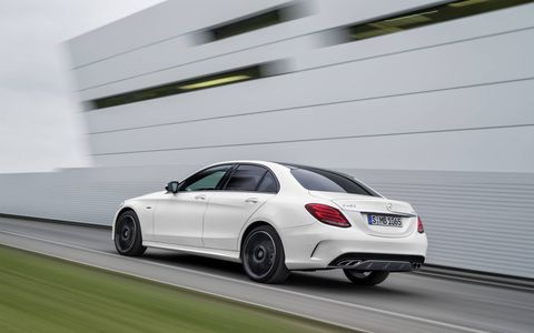 The new C450 AMG 4MATIC is based on the most powerful production model of the C-Class, the C400 4MATIC.