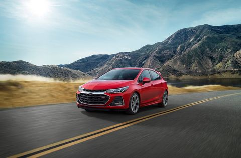The 2019 Chevrolet Cruze sports some new features, revamped styling and a more affordable hatchback.