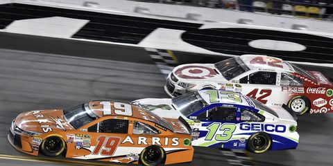 Carl Edwards (19) is expected to be a driver to beat in the year's Daytona 500.