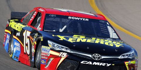 Clint Bowyer will keep 15 as his car number in 2016.