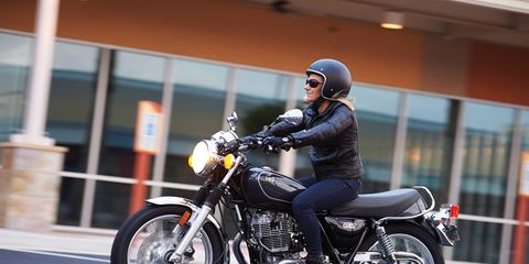 The SR400 is powered by a 399cc, single-cylinder, air-cooled, SOHC, 2-valve engine.