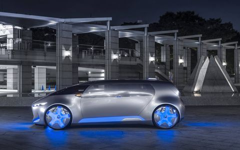 The Lounge gets a continuous stretch of glass paneling for a windshield, and the area across the front of the vehicle can be used to display different lighting functions, so you can take it to a rave, or something.