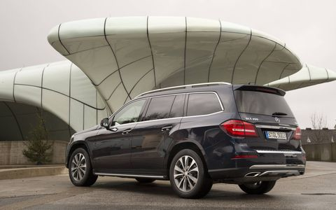 The 21-inch wheels are standard, and bring the whole SUV into proportion -- giving an illusion that its smaller than it really is.