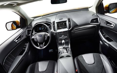 The dashboard and center console have also been carefully designed and shaped to look like one thin, streamlined piece. A central 8-inch LCD touch screen supporting SYNC with MyFord Touch is now available on even more models.