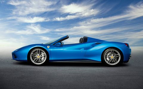 The all-aluminum 488 Spider debuted at Frankfurt in the fall of 2015 making 661 hp from its 3.9-liter turbocharged V8, good for a 0-60 time of under three seconds. Ferrari says the body is so strong that even without the roof it is as stiff as the GTB coupe version. Mama mia!