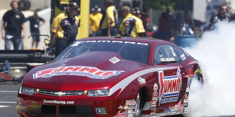 Greg Anderson continued his strong season in the NHRA Pro Stock class with a win in New Jersey on Sunday.