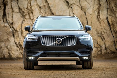 The 2019 Volvo XC90 gets three powertrain options, the most powerful of which is the hybrid.