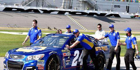 Chase Elliott will start the Daytona 500 from the pole in the No. 24 Chevrolet on Sunday.