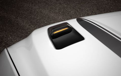 For the new model year, the 2016 Ford Mustang GT gets retro-inspired hood-mounted turn signal indicators. The California Special, Black Accent and Pony appearance packages also join the lineup. Further, Ford says it will offer the Performance Package to buyers of the 2016 Ford Mustang GT convertible.