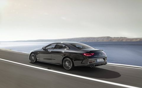 The 2019 Mercedes-AMG 53 models will get a turbocharged 3.0-liter I6 engine featuring an exhaust gas turbocharger and an electric auxiliary compressor. The engine generates 429 hp and delivers maximum torque of 384 lb-ft.