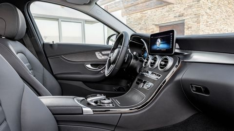 The 2019 Mercedes-Benz C300 adopts the display concept of the current S-Class, with an optional fully digital instrument display offering the three different styles: Classic, Sport and Progressive.