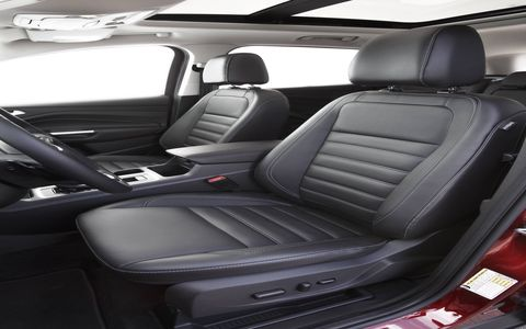 The redesign also brings improved cupholders, two new storage bins and a larger center armrest. An all-new steering wheel includes easy-to-work buttons for audio and climate controls, and a new swing-bin glove box provides easier access to stored items.