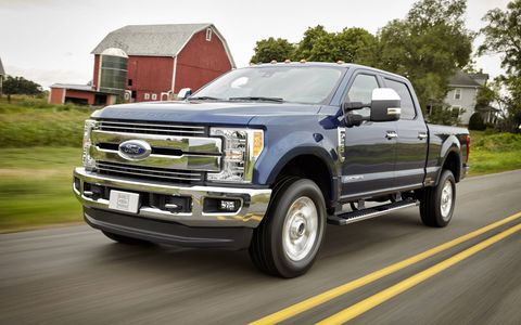 The 2017 Ford F-250 Super Duty comes with 925 lb-ft. of torque, a 7,630-pound payload and 32,500 pounds of gooseneck towing capacity.