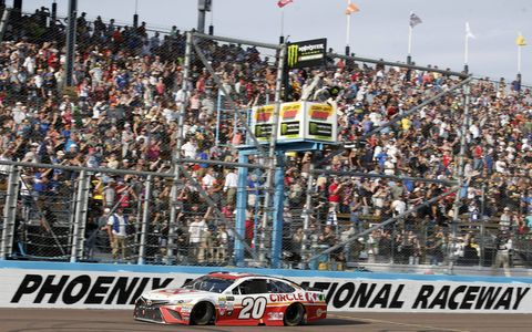 Sights from the Monster Energy NASCAR Cup Series action at Phoenix Raceway, Sunday, Nov. 12, 2017.