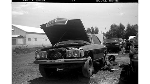 The Franka Bonafix camera is 40 years older than this two-tone Mercedes W123 coupe, but seems appropriate.