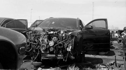 Land vehicle, Vehicle, Motor vehicle, Car, Crash, Automotive design, Collision, Automotive tire, Luxury vehicle, Personal luxury car,