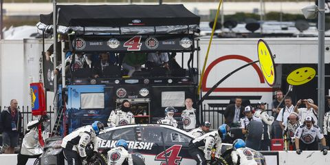At least four teams experienced problems with the new spec Paoli pit guns during the Folds of Honor QuikTrip 500.