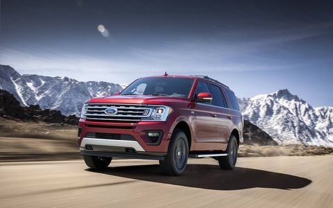 Under the hood of the 2018 Ford Expedition XLT and Limited is a twin-turbocharged 3.5-liter EcoBoost V6 now rated at 375 hp and 470 lb-ft of torque. It's paired to a 10-speed automatic.