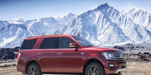 Under the hood of the 2018 Ford Expedition XLT and Limited is a twin-turbocharged 3.5-liter Ecoboost V6 now rated at 375 hp and 470 lb-ft of torque and it's paired to a ten-speed automatic.
