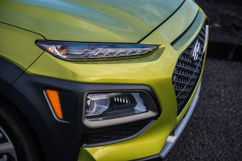 Like the previous-gen Jeep Cherokee, the Hyundai Kona uses its upper lighting elements as daytime running lights, while the actual headlights are in the lower pod.