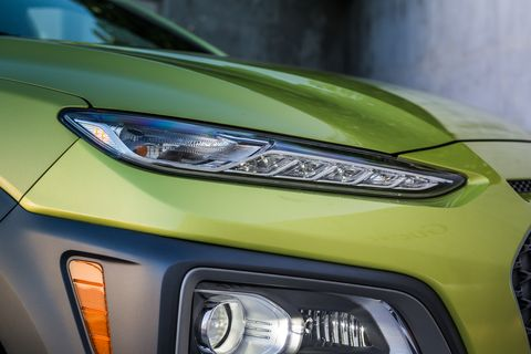 The 2018 Hyundai Kona crossover gets a dual-level lighting treatment with DRLs up top and headlights in the lower middle.