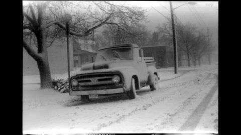 Motor vehicle, Snow, Vehicle, Car, Mode of transport, Winter storm, Winter, Tree, Black-and-white, Automotive design,