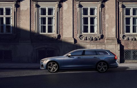 The 2018 Volvo V90 T6 R-design makes 316 hp and 295 lb-ft.