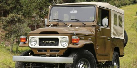 This 1980 Toyota FJ43 Land Cruiser is the long-wheelbase version.